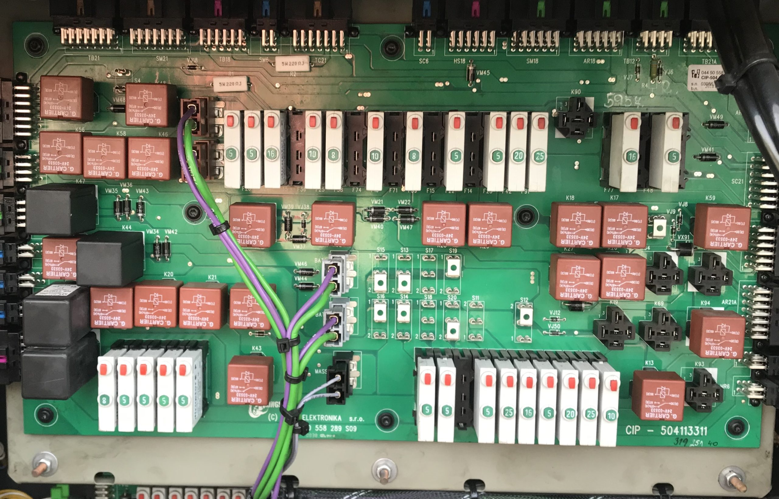 ECU Relay and fuse holder